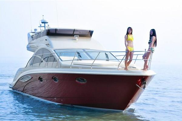 45英尺运动游艇