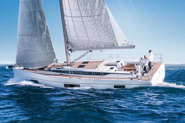 48英尺单体帆船