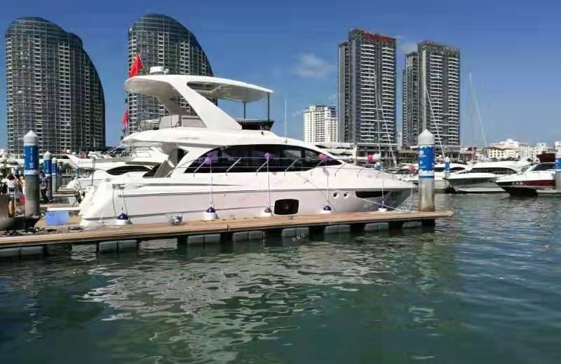 全新55尺商务游艇