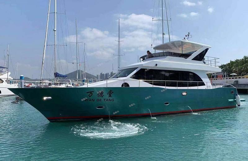豪华60尺游艇