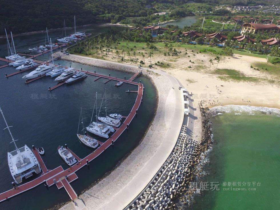三亚亚龙湾游艇会码头